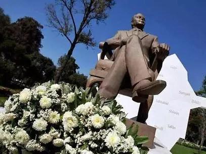 El delegado dijo que por convicciones políticas no dejará que se instale el monumento del ex mandatario de Azerbaiyan, de quien calificó como un dictador. Foto: Archivo / Reforma