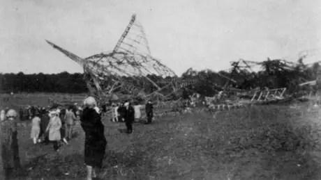 Dirigível caiu em solo francês após pegar fogo durante voo em outubro de 1930