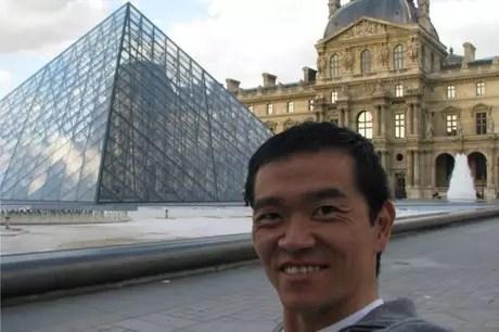 Ricardo costuma levar grupos a Paris, onde há mais facilidade para turistas com mobilidade limitada
