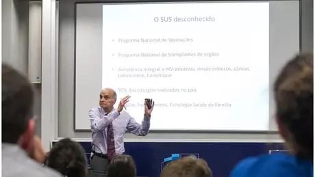 Dráuzio Varella: 'Encarcerar simplesmente não melhora a segurança nas cidades' (Crédito: Cynthia Vanzella/Divulgação Brazil Forum UK)