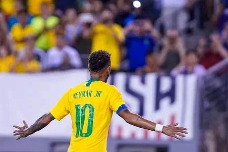 Neymar foi o capitão da Seleção Brasileira na vitória sobre os Estados Unidos