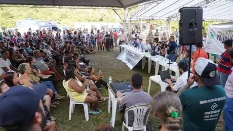Em reunião, moradores pediram que a Vale assumisse dívidas de financiamento relativas a plantações destruídas, além de uma ajuda de custo mensal