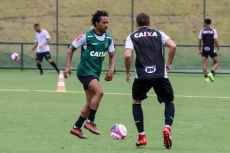 Arouca teve rápida passagem pelo Galo em 2018, sem muito destaque no time mineiro-(Divulgação)