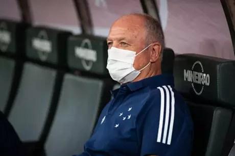 Felipão reclamou da arbitragem e pediu providências da diretoria celeste na CBF-(Bruno Haddad/Cruzeiro)