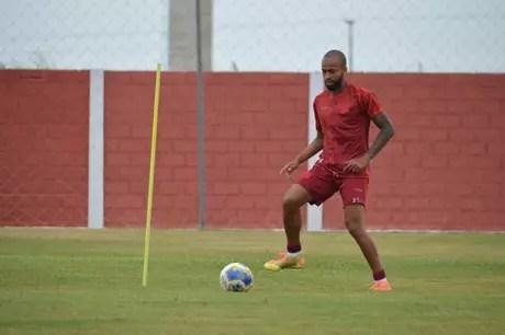 Wesley passou pelos grandes de São Paulo na década passada(Divulgação/CRB)