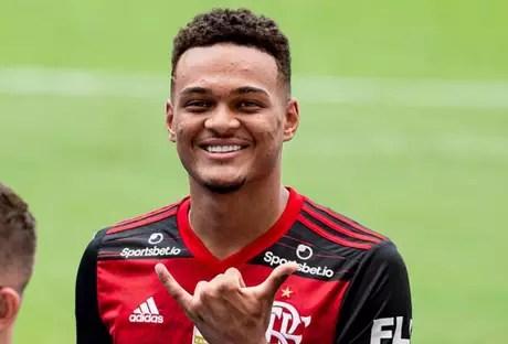 A fase é boa de Rodrigo Muniz com a camisa do Flamengo em 2021 (Foto: Marcelo Cortes / Flamengo)
