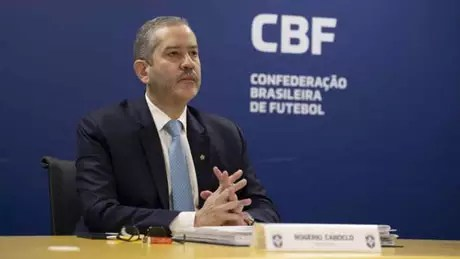 'A CBF cumpre, mais uma vez, seu papel de ampliar o apoio aos clubes e as Federações, que são a base do nosso esporte, em função dos impactos ainda gerados pela pandemia', diz Rogério Caboclo (Foto: Lucas Figueiredo/CBF)