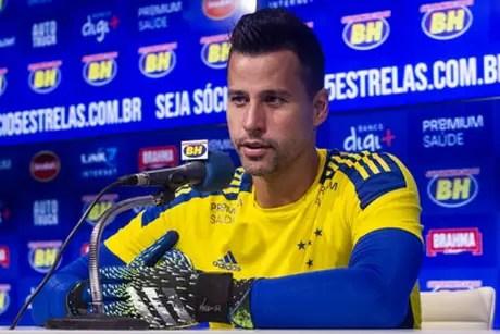 Fábio afirmou que teve chances de sair, mas preferiu seguir na Raposa-(Gustavo Aleixo/Cruzeiro)