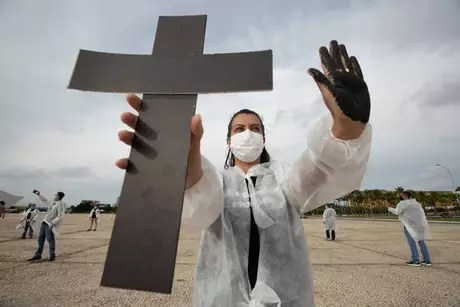 Protest in honor of Covid victims in Brasilia