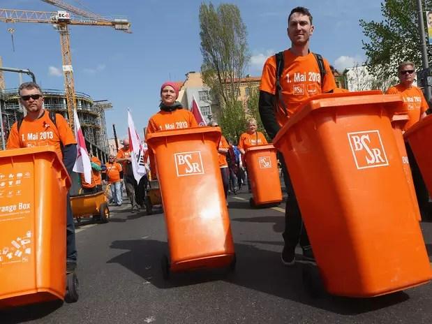En Berlín, Alemania representantes de los sindicatos y otros grupos marcha en apoyo a las condiciones de empleo más justas. Foto: Getty Images