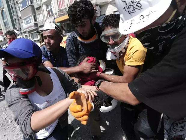 U manifestante herido. Foto: EFE en español