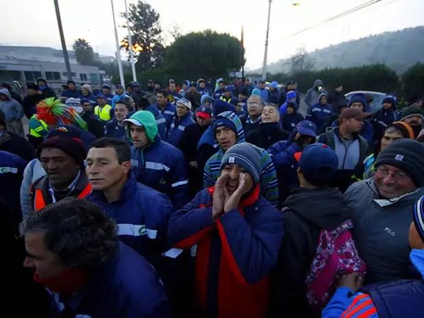 Los trabajadores de Quilicura criticaron al dirigente Armando Soto, quien llegó a comunicar el acuerdo. Foto: AGENCIA UNO