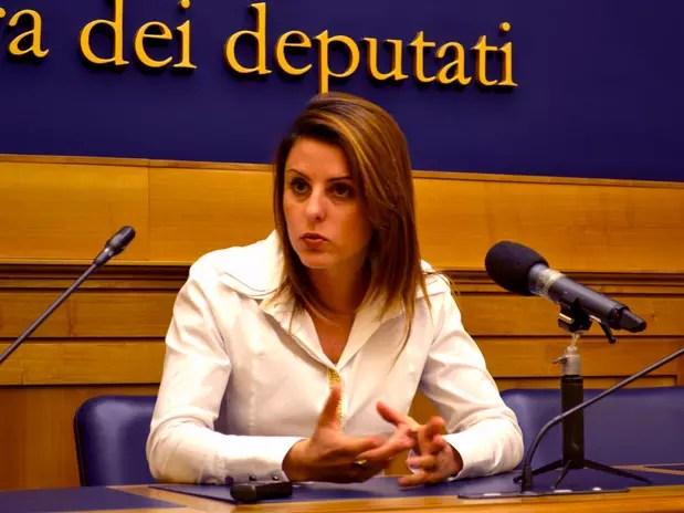A deputada ítalo-brasileira Renata Bueno afirmou hoje que o único questionamento oficial sobre o caso Pizzolato foi endereçado ao ministro do Interior italiano na semana passada Foto: Rafael Belincanta / Especial para Terra