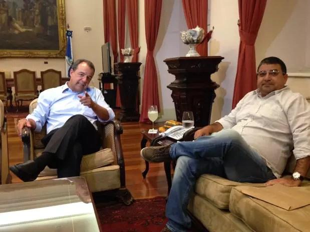 O governador Sérgio Cabral e o Washington Quaquá durante encontro nesta segunda-feira Foto: André Naddeo / Terra