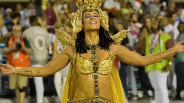 Emoção, brilho e mais: 25 fotos de Paolla Oliveira como Cleópatra na Grande Rio