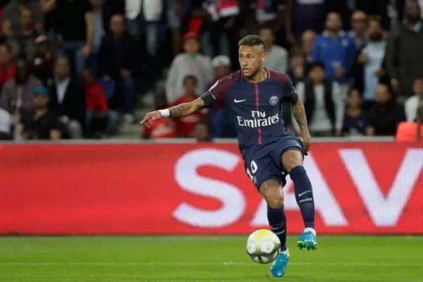 1º lugar: Neymar para o PSG - 222 milhões de euros (R$ 829 milhões)