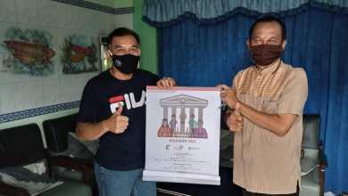 Photo of Cabang Tulungagung Melanjutkan Serahkan Kalender