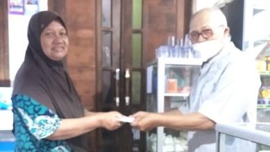 Photo of PC Bandung Timur Serahkan Dakem Kpd AW Alm Bpk Imam Slamet NIK 500977