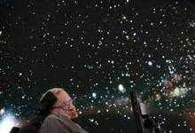 Photo of 6 Hal Inspiratif Stephen Hawking Peneliti Alam Semesta