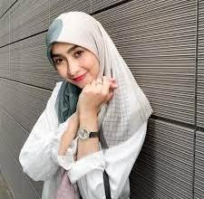 Photo of Gaya Hijab Pramugari Cantik Miranda Wulandari