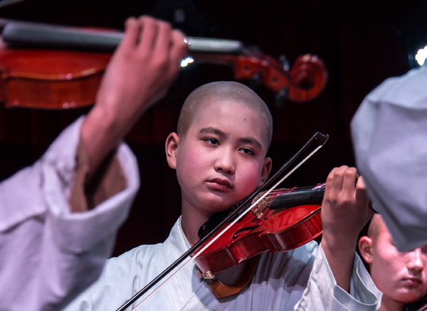 Monks are embracing western music in Hubei Province at the Tiantai Temple.