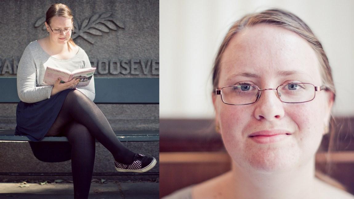 Nina Christine Gundersen elsker å lese (Foto: Tom Overlie, NRK)