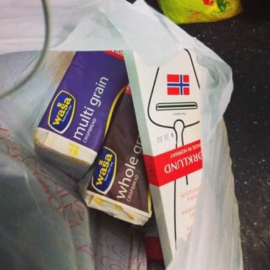 Sarah varte 6 dager i New York før hun møtte gå til innkjøp av vår norskeste oppfinnelse: Ostehøvelen (Foto: Sarah Winona Sortland, Instagram)