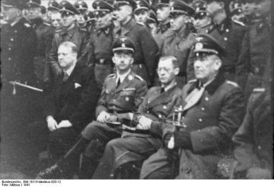 Quisling (til venstre) og Himmler med Terboven og Falkenhorst under besøk i Norge (Foto: Wikipedia)