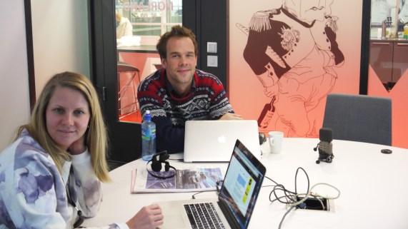 Produsent Trine Saugestad Hatlen og programleder Morten Hegseth i VGTVs «Panelet». (Foto: Webjørn S. Espeland, NRK)