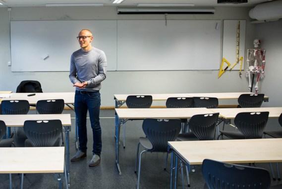 Jørgen Flor foreleser nå i psykologi hos Sonans (Foto: Anne Dorte Lunås, NRK)