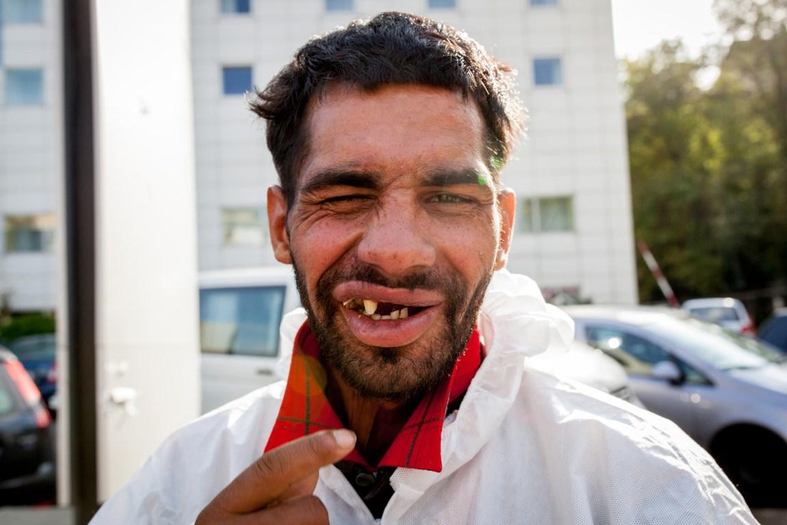 André er en av mange som bor på gaten i Romania. Han har bodd på gaten i nesten 20 år. (Foto: Matias Nordahl Carlsen)