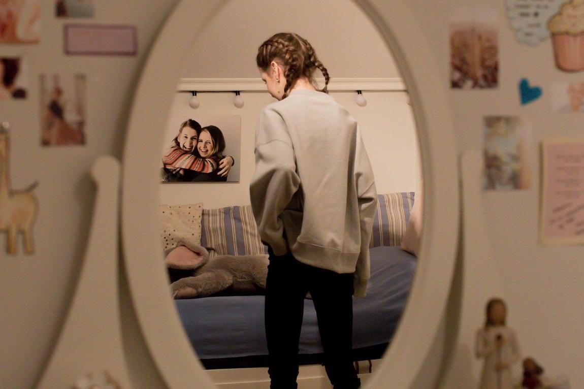 Emeline synes det er vanskelig å vite hvorfor hun fikk anoreksi - plutselig var mat blitt et problem. Nå har hun vært syk i over fem år. Foto: Rashid Akrim, NRK P3