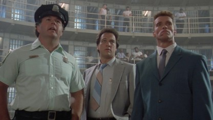 Allan Graf, James Belushi og Arnold Schwarzenegger i Red Heat. (Foto: Universal)