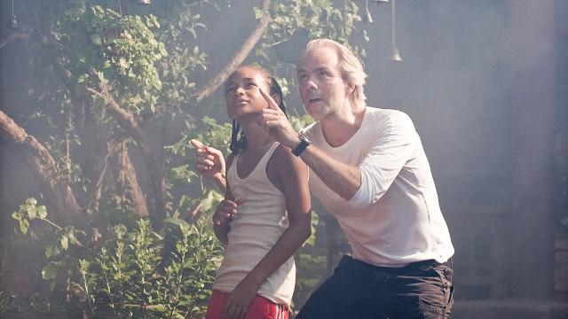 Harald Zwart instuerer Jaden Smith i Karate Kid. (Foto: Sony Pictures)
