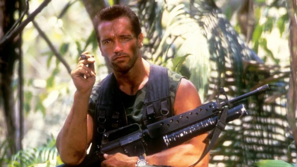 Arnold Schwarzenegger på filmsettet til Predator. (Foto: 20th Century Fox)