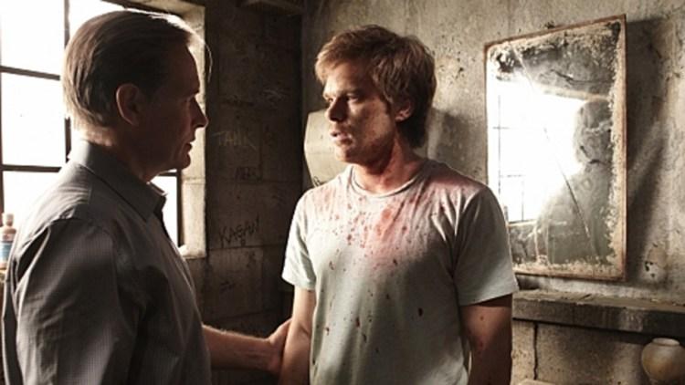 Dexter vender stadig tilbake til faren sin for råd. (Foto: Showtime)