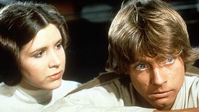 Carrie Fisher som Leia og Mark Hamill som Prinsesse Leia og Luke i Star Wars. (Foto: Lucasfilm Ltd)