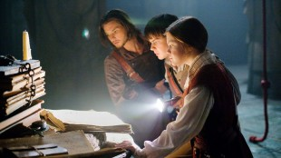 Prins Caspian med to stk Pevensies i Narnia. (Foto: FOX FILM)