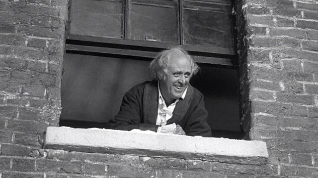 Alistair Sim spiller hovedrollen i Scrooge. (Foto: VCI Entertainment)