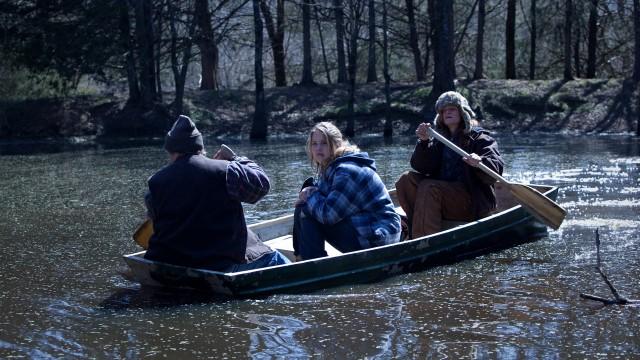 Jennifer Lawrence midt i båten i Winter's Bone. (Foto: Arthaus)