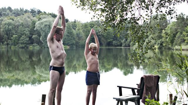Frank Hvam og Marcuz Jess Petersen i Klovn: The Movie. (Foto: Zentropa/Nordisk Film Distribusjon AS)