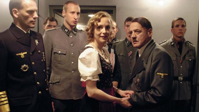 Eva Braun (Juliane Koehler) og Adolf Hitler (Bruno Ganz) i Der Untergang (Foto: Sandrew Metronome).