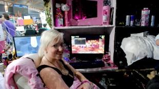 Ifølge eieren veier det uskyldige rosa opp for volden i spillene. (Foto: Silje Strømmen, NRK P3)