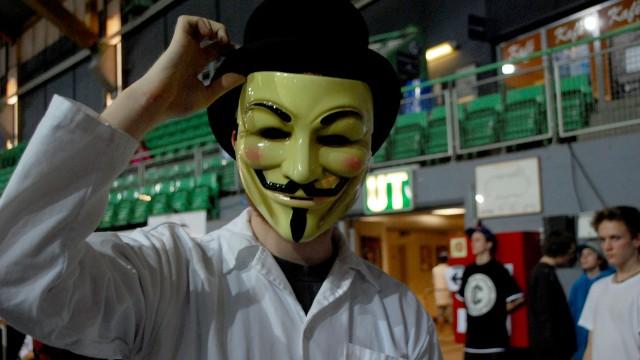 I en camp bruker alle samme maske. (Foto: Silje Strømmen, NRK P3)