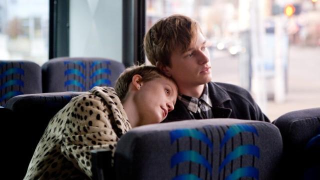 Mia Wasikowska og Henry Hopper i Restless (Foto: Imagine Entertainment).