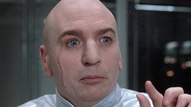 Dr. Evil fikk i ungdomstiden barbert sin pung i et hellig rituale. (Foto: SF Norge A/S)