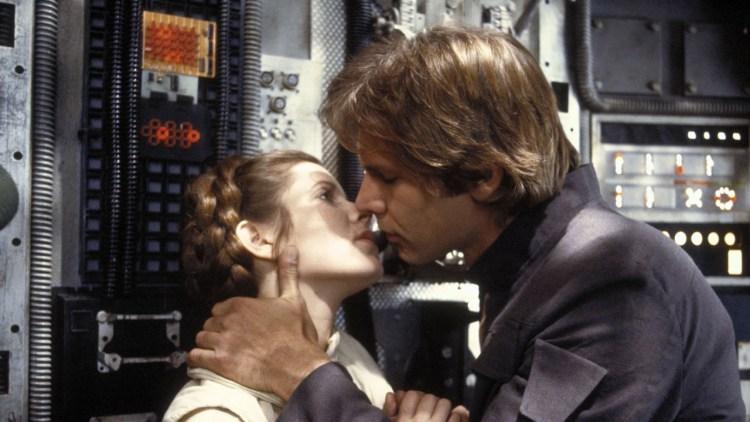 Dette bildet er tatt ett sekund før Han Solo kysser Prinsesse Leia - eller er det omvendt? (Foto: Lucasfilm).