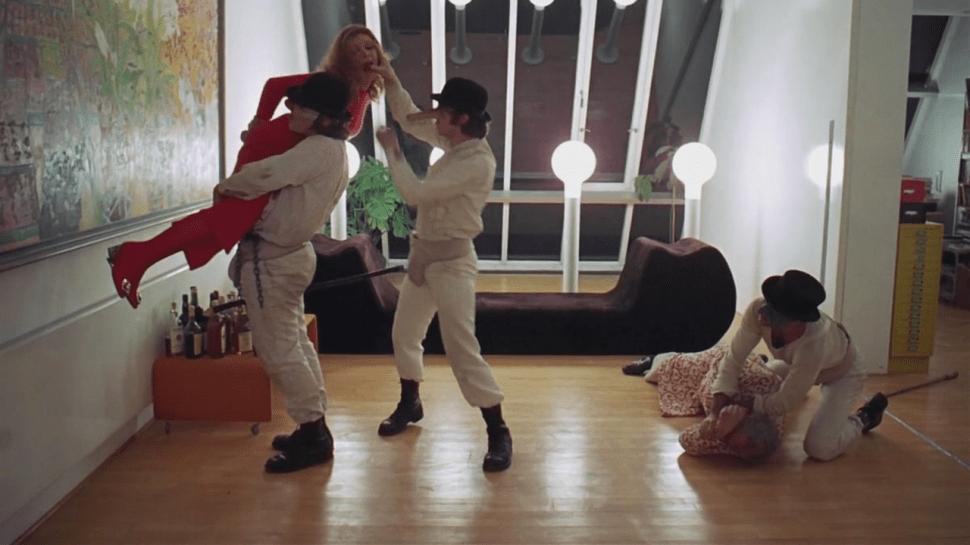 A Clockwork Orange førte til en voldsbølge i England da den kom i 1971. (Foto: Warner Bros.).