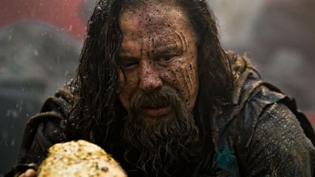 Mickey Rourke som Kong Hyperion i Immortals (Foto: Nordisk Film Distribusjon AS).