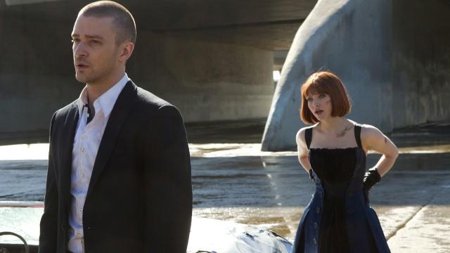 Justin Timberlake og Amanda Seyfried på jakt etter mer tid i In Time (Foto: 20th Century Fox).
